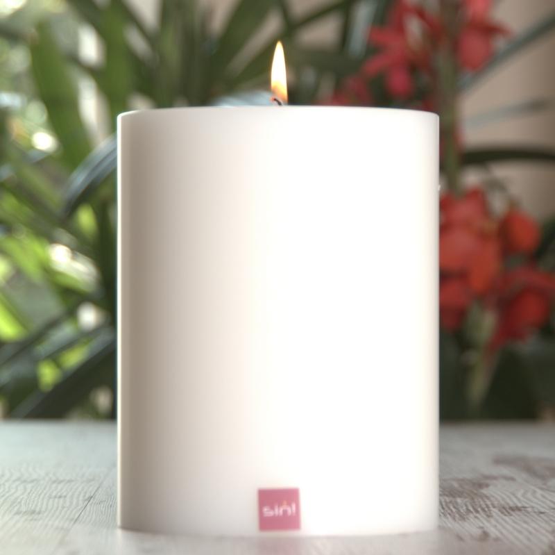 SiN! Teelichthalter Trend 8 cm weiss in Kerzenform, Dauerkerze mit Teelicht, Teelichtkerze in Kerzenoptik und Kerzenform, Kunststoffkerze mit Teelichteinsatz - inkl. Teelicht